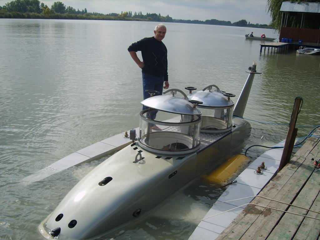 Как сделать подводную лодку с мотором
